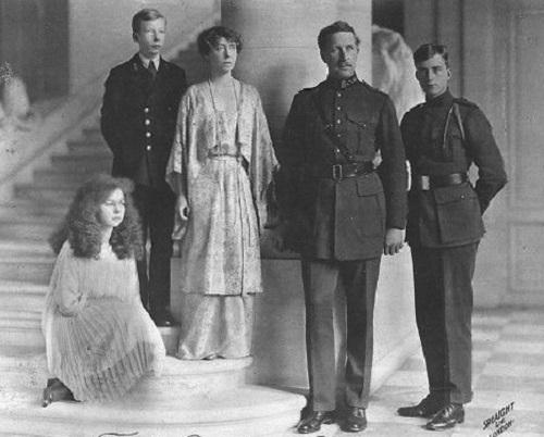 D2 BELG_1918_Family