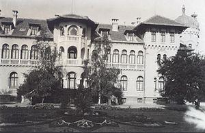 D2 Vranya palace