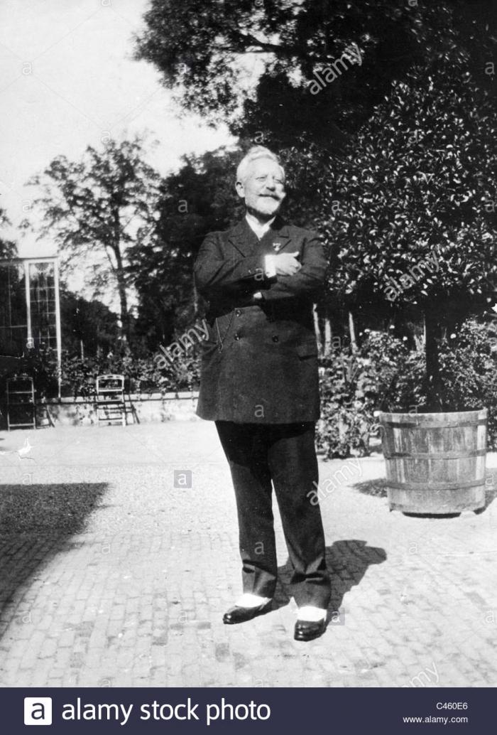 D1 emperor-wilhelm-ii-in-exile-in-netherlands-1931-C460E6